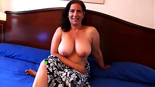 Sandra, 45, gonna intrigue b passion her son's best friend. She's always liked him!